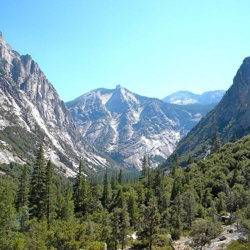 Kings Canyon National Park, California (Photo Credit: Wikipedia)