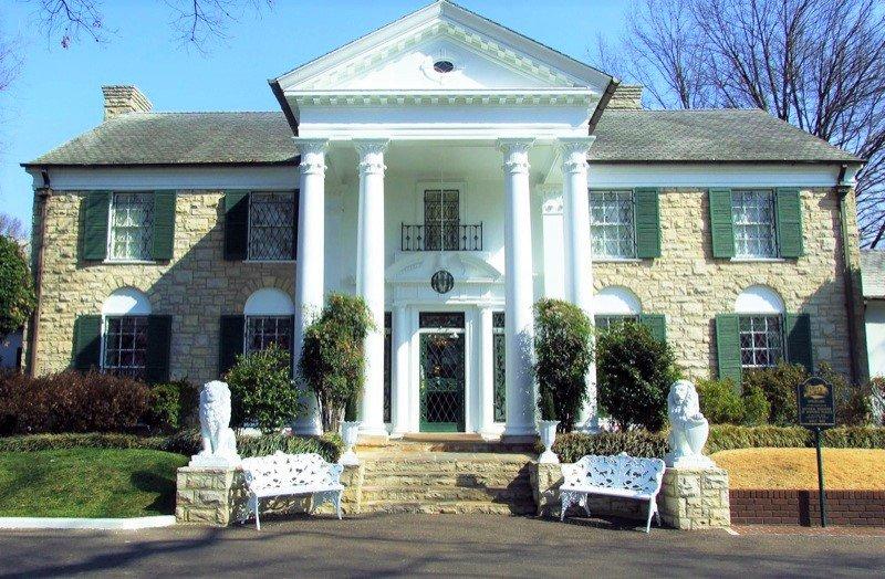 Graceland, Memphis, Tennessee (Photo Credit: Wikipedia)