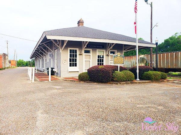 Enterprise Train Depot, Enterprise, Alabama (Photo Credit: Violet Sky)