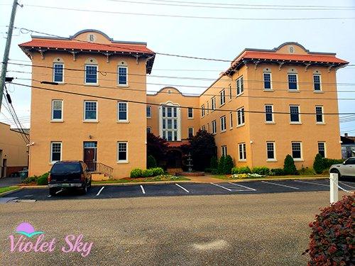 Rawls Hotel, Enterprise, Alabama (Photo Credit: Violet Sky)