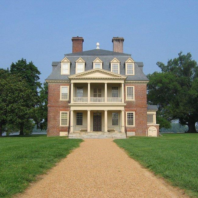 Shirley Plantation, Hopewell, Virginia (Photo Credit: Wikipedia)