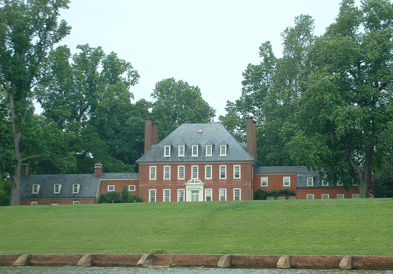 Westover Plantation, Charles City, Virginia (Photo Credit: Wikipedia)