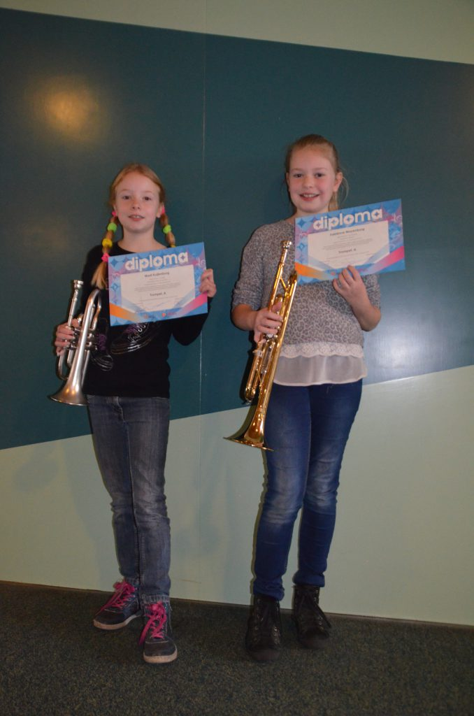 Marit en Fabiënne geslaagd voor HaFaBra A op trompet