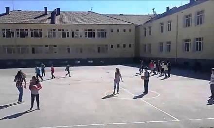 Училището във велинградското село Драгиново има нова спортна площадка