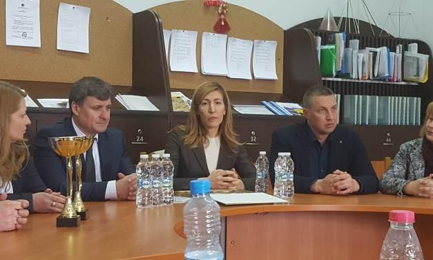 """Министър Ангелкова: """"Министерството на туризма ще подкрепи честванията на 1-ви и 2-ри септември"""""""