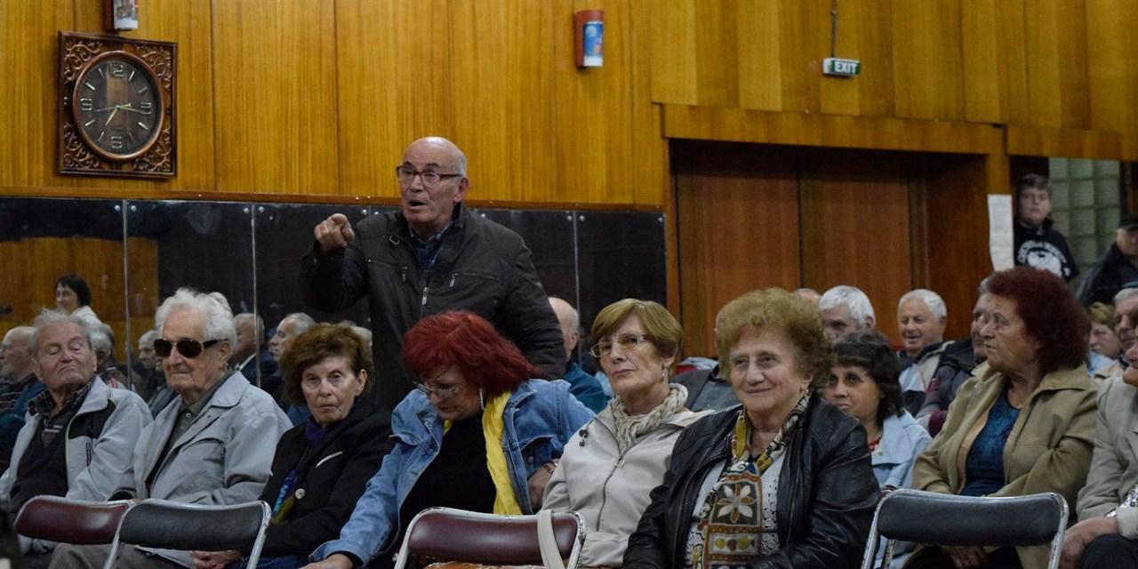 Кметът на община Велинград разговаря с жителите на кв.Чепино