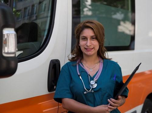 Д-р Куин Лечителката от ромската махала във Велинград