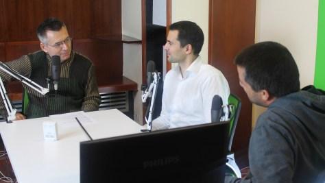 Varga Zsigmond, az SAP magyarországi üzletfejlesztési vezetője, Szilágyi Árpád műsorvezető és Szalay Dániel újságíró