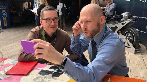 Pintér Róbert és Keleti Arthur a SMART konferencia szünetében az Akvárium Klubban.