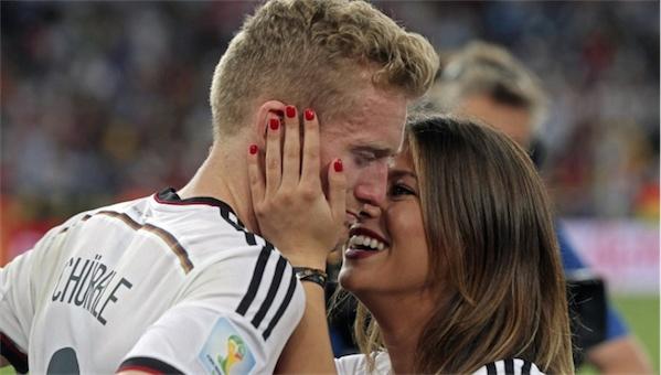 德國隊火辣人妻女友大集合!27個世界盃奪冠時最激情的畫面!