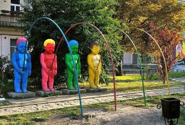 17個絕對兒童不宜的古怪遊樂場,即使對成年人來說也太重口味了吧?!