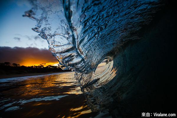 這名攝影師花了6年時間,拍出海浪各種情感姿態