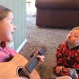 Musik får dreng med Downs syndrom til at tale!