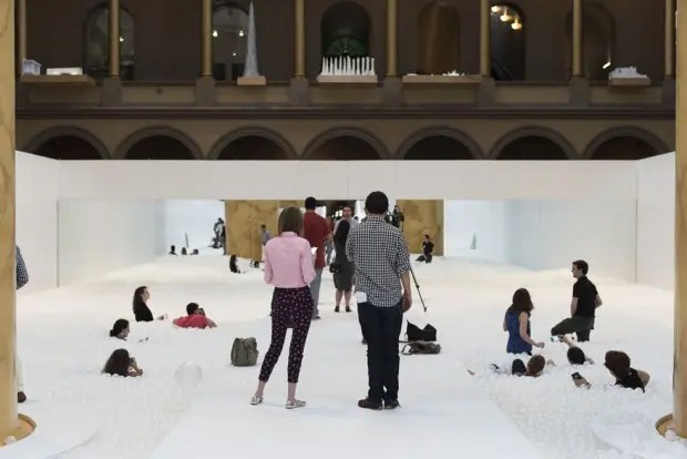 indoor-ball-pit-bubble-ocean-the-beach-snarkitecture-national-building-museum-2