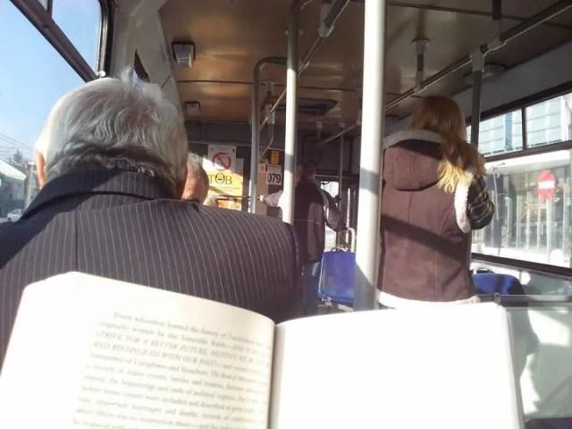 lectura-autobus-rumania-6