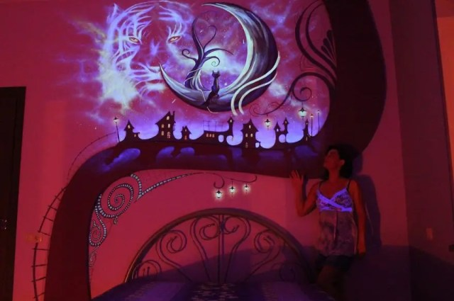 KS-Fairytale-ie-3D-Glow-In-The-Dark-Mural27__880