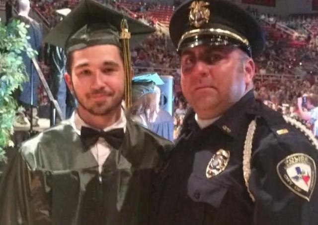 policia-acompana-a-joven-huerfano-a-su-graduacion3