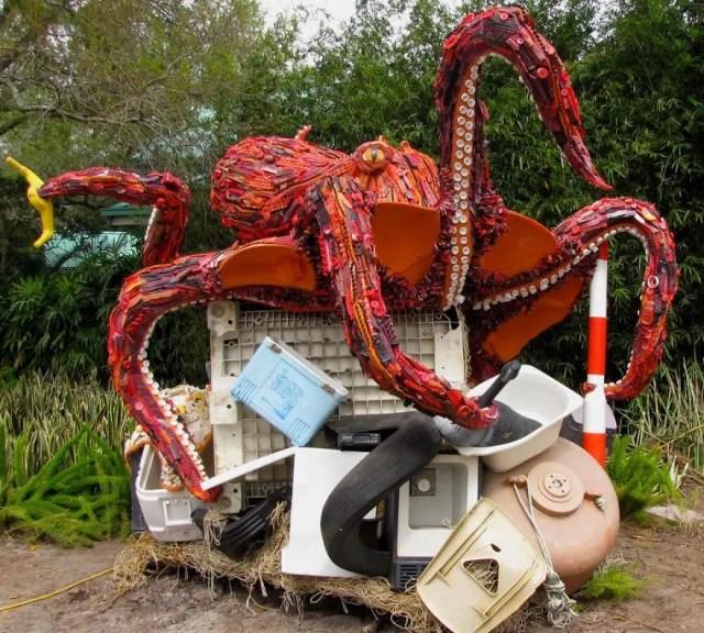 reciclaje-esculturas-plasticos13