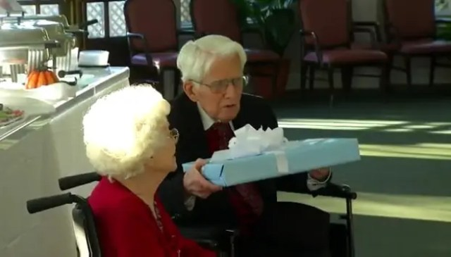 cumplen-77-anos-de-casados3