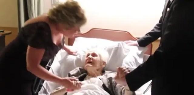 recien-casados-sorprenden-a-su-abuela-antes-de-morir7