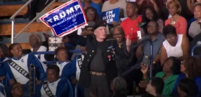 asi-defiende-obama-a-manifestante-de-trump2
