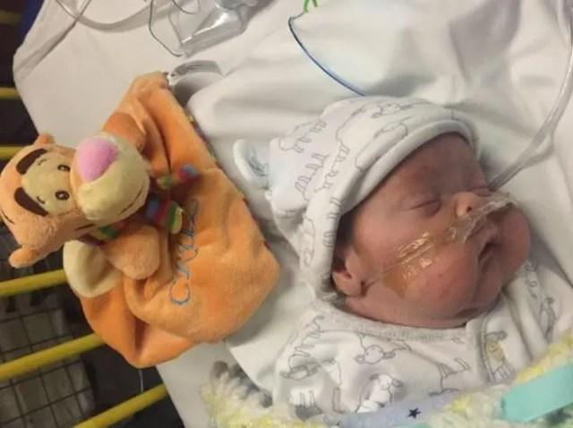bebe-prematuro-atrapado-en-irlanda2