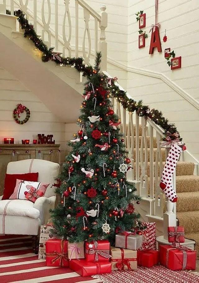 decoracion-navidena-escaleras-y-corredores-2