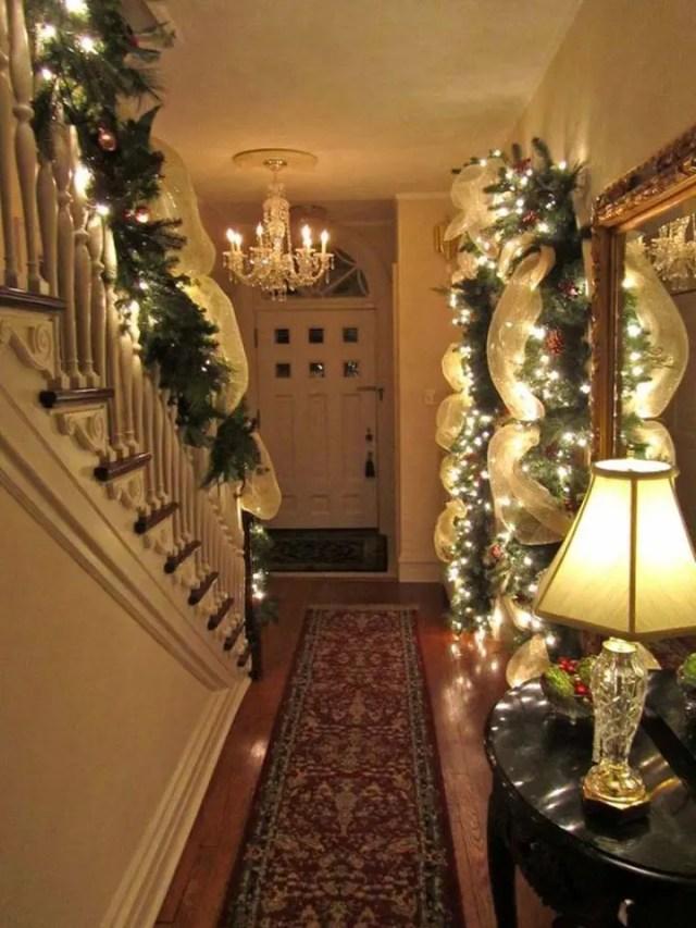 decoracion-navidena-escaleras-y-corredores-8