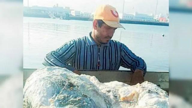 pescador-vomito-de-cachalote-2