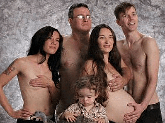 22 Sexually Inappropriate Family Photos That Will Make You Cringe