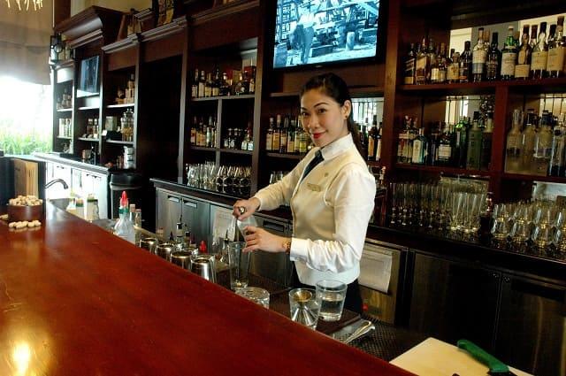 bars in singapore