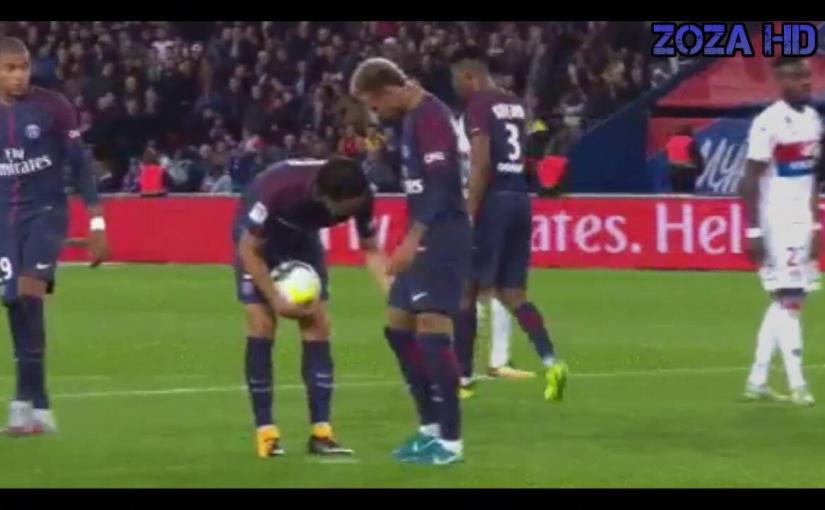 Cavani le niega cobrar el penal a Neymar PSG vs LYON