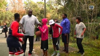 Shaq Joins Police Officer Who Played Basketball In Street With Kids