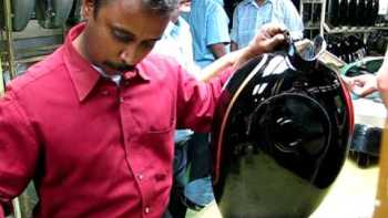 Painting Perfect Pin Stripes On A Motorcycle Gas Tank