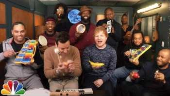 "Jimmy Fallon, Ed Sheeran & The Roots Play ""Shape of You"" On Classroom Instruments)"