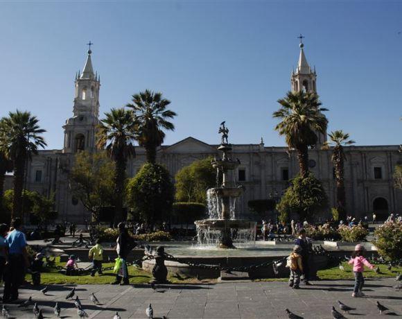Arequipa – Rahibeler, Mumya çocuklar, Çiğ balık ve Karlı Volkan