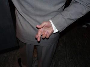 crossed-fingers-363478_960_720-300x225