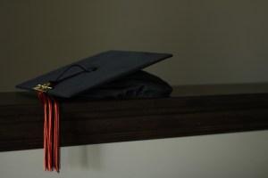 graduation-3498090_960_720-300x200
