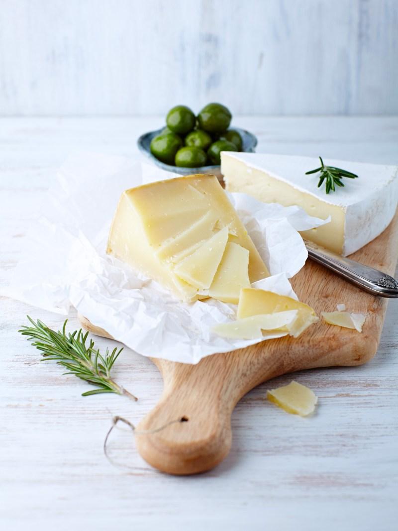 come conservare il formaggio - tagliere di pecorino e brie