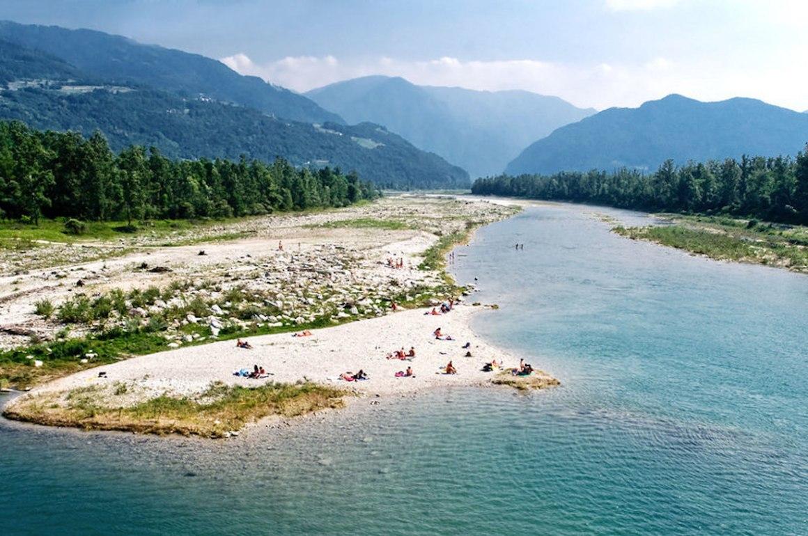 Prendere il sole fiume Piave