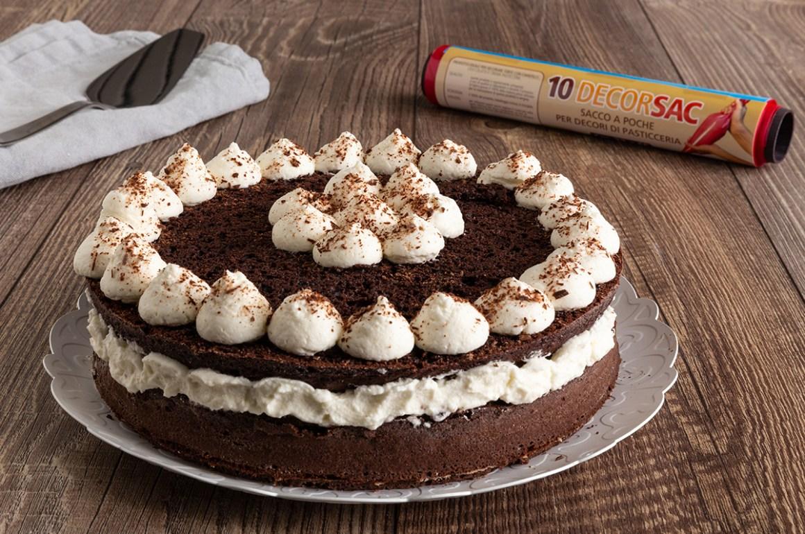 Torta al cacao con crema al latte: gustosissima!