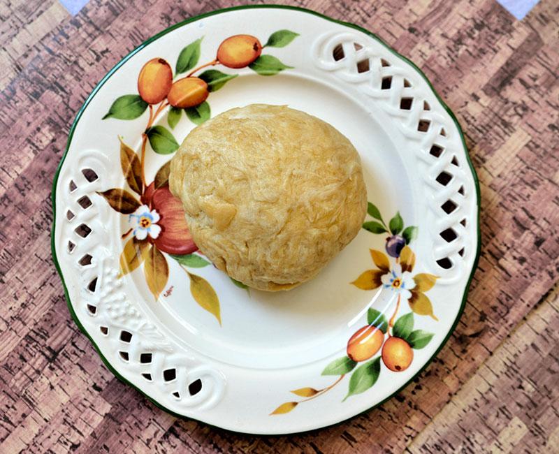 torta rustica con pasta fatta in casa salmone pomodorini e provola affumicata ricetta preparazione ingredienti virosac magazine palla di pasta