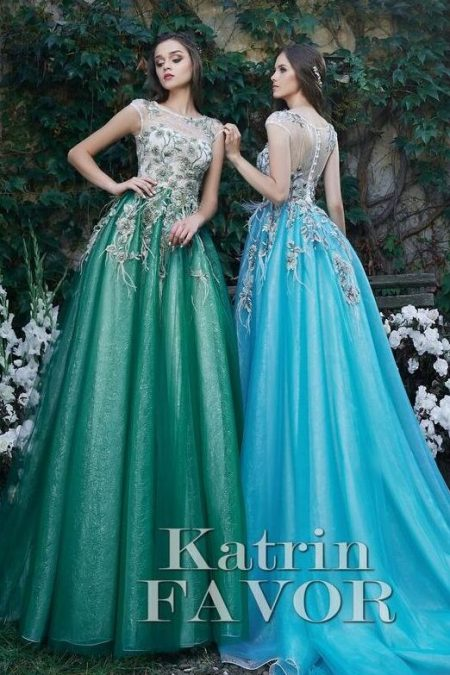 Beaded Embroidered White Green Turquoise Tulle Modest Prom Dress Cap Sleeves
