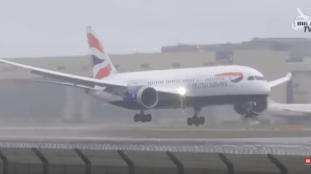 VIDÉO. Atterrissage périlleux pour un avion à l'aéroport de Londres