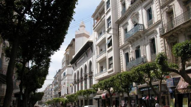 Alger : la nouvelle vie de l'ex-Bon Marché de la rue Ben M'hidi transformé en un fast-food géant