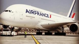 Covid-19 : Air France distribue désormais des masques dans ses avions