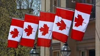 Des Algériens et des Marocains réclament leurs passeports retenus dans les ambassades du Canada