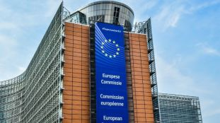 Frontières et reprise des visas : l'Europe veut reprendre en juillet avec les pays jugés « sûrs »