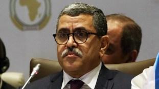 Rapatriement des Algériens bloqués à l'étranger: le gouvernement précise les modalités