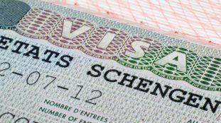 Visa Schengen pour la France : comment lire la vignette de visa?
